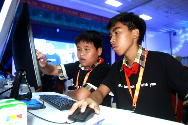 Dong Nai Holds Cyber Robotics Coding Competition For Students
