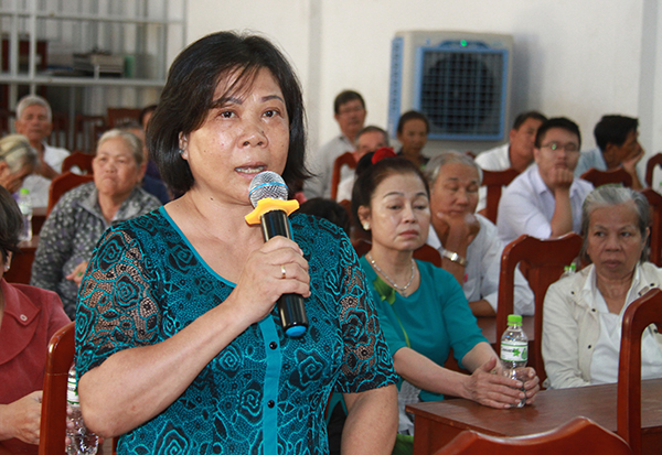 The voters of Buu Hoa presented their comments at the meeting